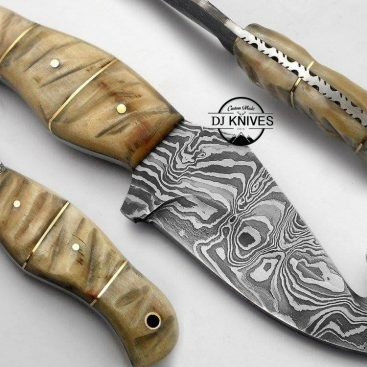 Gut Hook Custom Made Forged Damascus Steel Hunting Knife With Sheath / MDSK-321